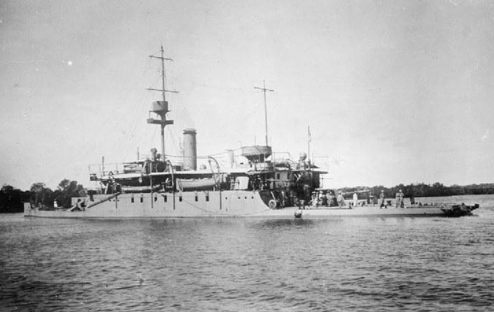 """HMS """"Severn"""" w Arfyce Wschodniej w 1917 roku /Wikimedia Commons /INTERIA.PL/materiały prasowe"""