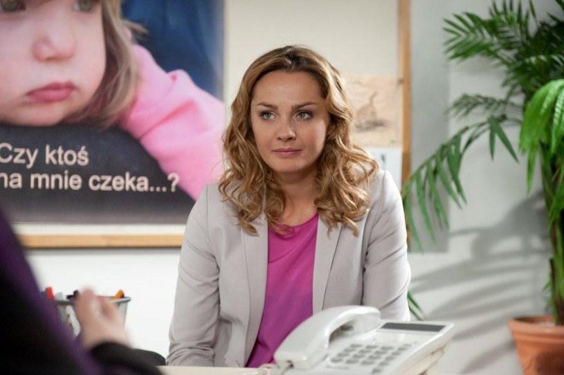 Hofferowa wciąż nie może się otrząsnąć po stracie dziecka. /TVN