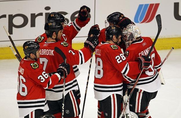 Hokeiści Chicago Blackhawks wygrali z Nashville Predators 3-0 /AFP