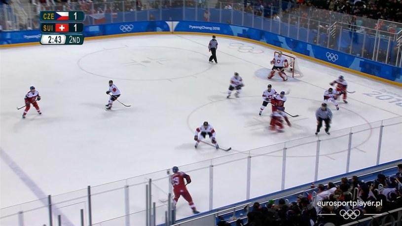 Hokeiści Czech podczas meczu ze Szwajcarią /Eurosport