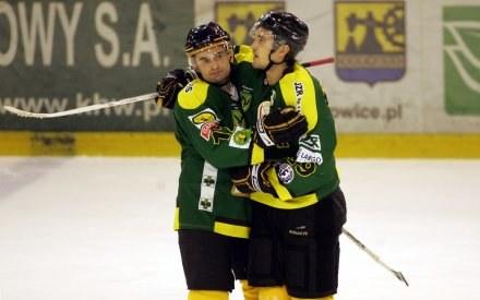 Hokeiści Jastrzębia: Mateusz Danieluk (z prawej) i Rudolf Wolf, fot: Dariusz Hermiersz /Agencja Przegląd Sportowy