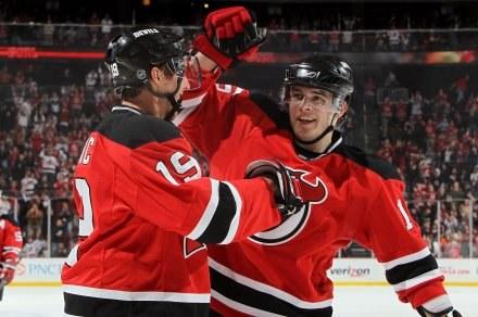 Hokeiści New Jersey Devils wygrali po dogrywce z Toronto Maple Leafs /AFP