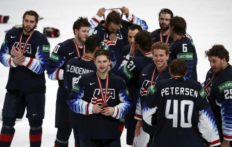 Hokeiści USA świętują zwycięstwo w meczu o brąz MŚ /PAP/EPA