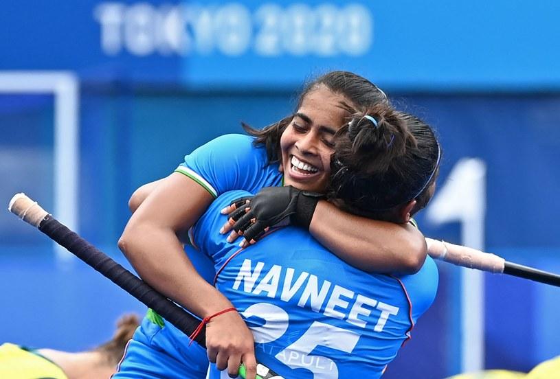 Hokeistki Indii świętują awans do półfinału. Tokio 2020 /CHARLY TRIBALLEAU  /AFP