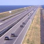 Holandia: Budują sztuczną rzekę na tamie Afsluitdijk