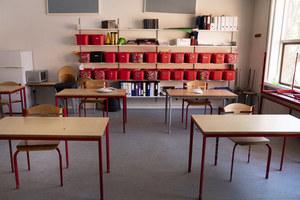 Holandia. Ogniska koronawirusa w szkołach. Jeden na osiem przypadków zakażenia
