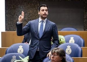 """Holandia. Polityk walczy z """"gejowskim lobby"""". Był modelem w pismach dla homoseksualistów"""