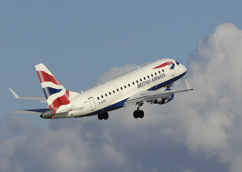 Holandia zawiesza loty z Wielkiej Brytanii. Taką opcję rozważają także Niemcy /UIG Diverse /East News