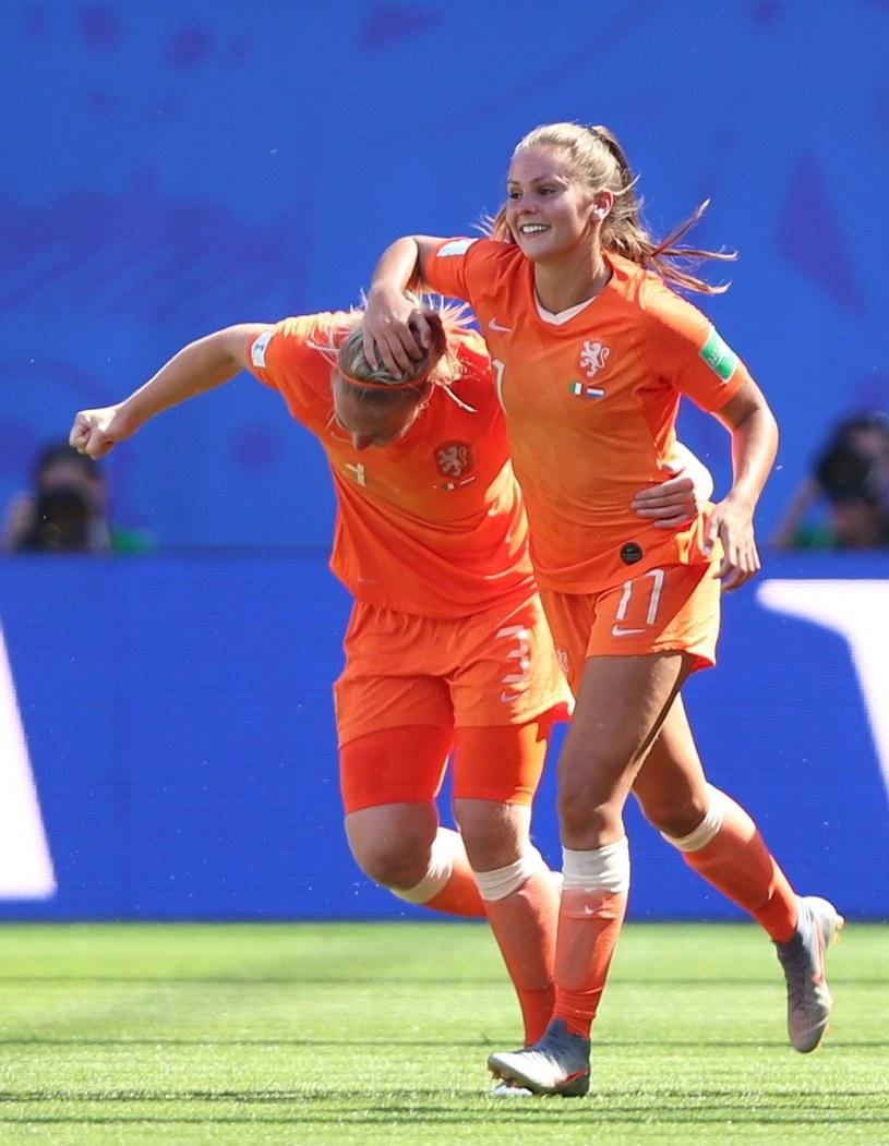 Holenderka Stefanie Van Der Gragt cieszy się z gola /PAP/EPA