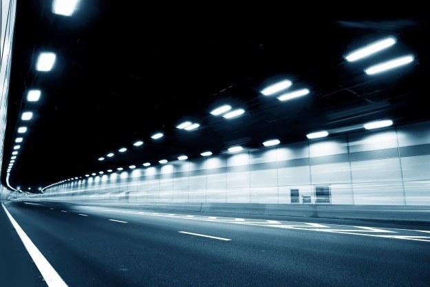 Holenderską autostradą w drodze do przyszłości /123RF/PICSEL