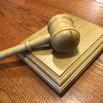 Holenderski sąd wstrzymuje wydawanie Polsce podejrzanych i skazanych. Obawia się o niezależność polskich sądów
