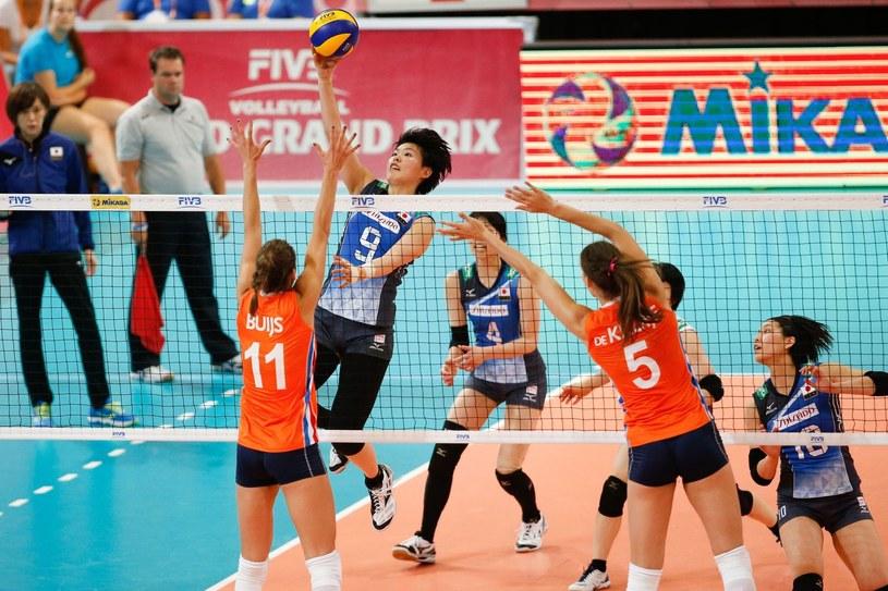 Holenderskie siatkarki podczas meczu z Japonią w ramach cyklu World Grand Prix /AFP