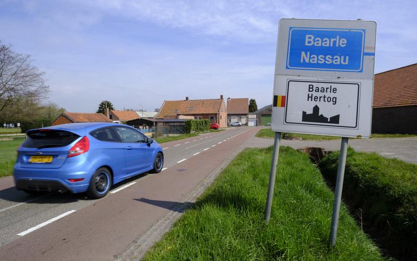 Holendrzy i Belgowie uważają, że niektóre przepisy są głupie, więc je łamią /Getty Images