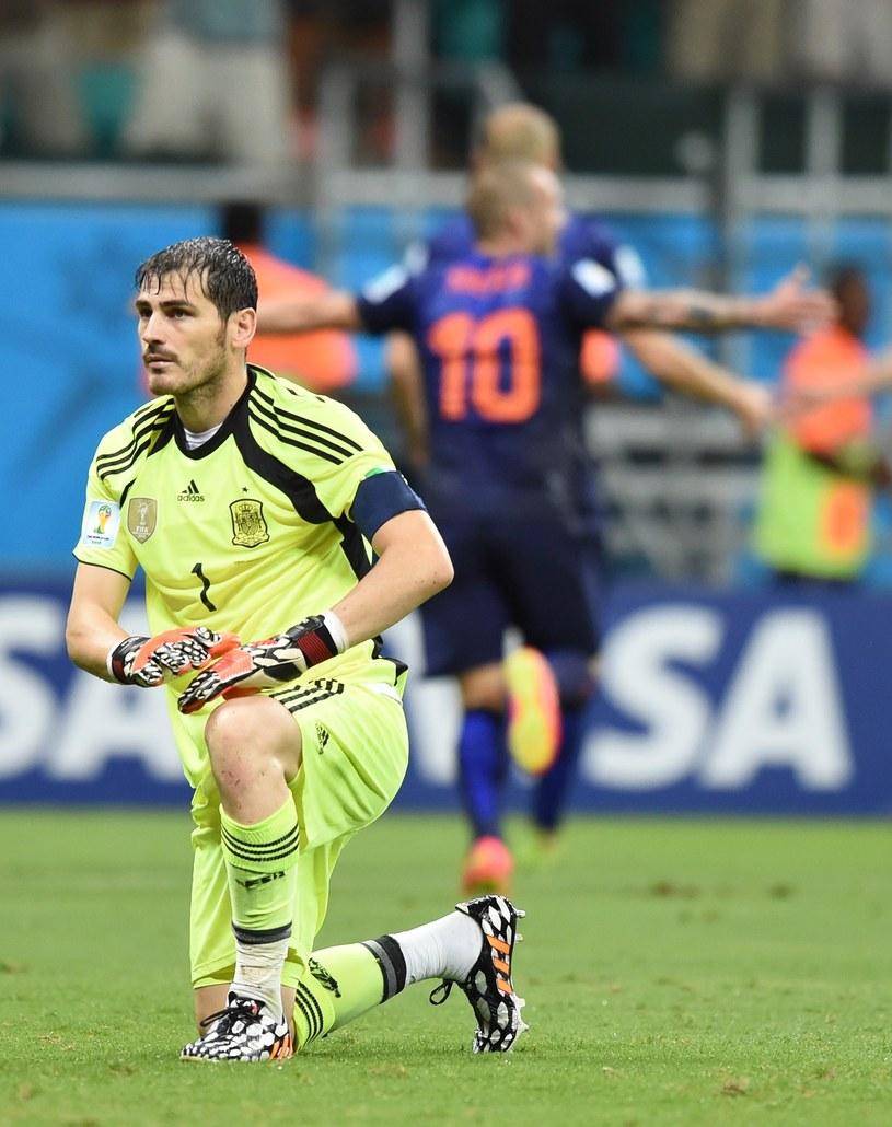 Holendrzy pięciokrotnie pokonali Ikera Casillasa /AFP
