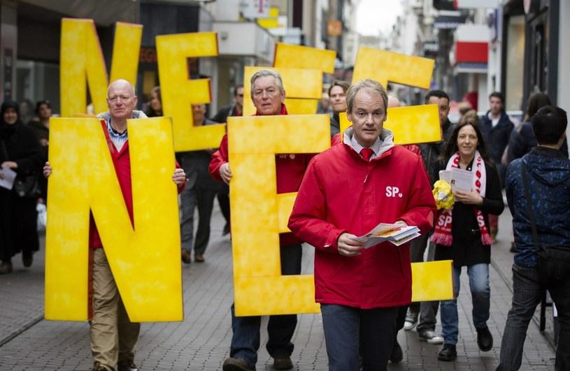 Holendrzy przeciwko stowarzyszeniu Ukrainy z Unią /PAP/EPA