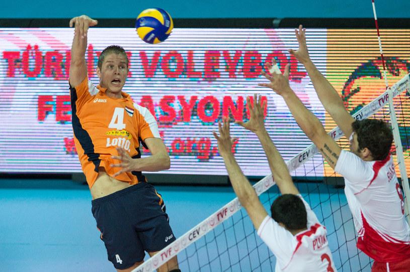 Holendrzy w finale wygrali z Turcją 3:2 /- /www.cev.eu