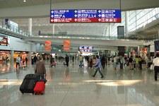 Hongkong: Starcie protestujących z policją na lotnisku
