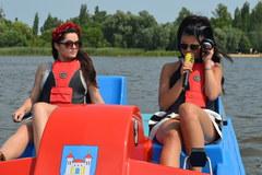 Honorata Skarbek vs Dziennikarze RMF FM. Bolid: rowerek wodny...