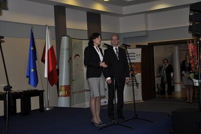 Honorowe wyróżnienia wręczała podsekretarz stanu w resorcie sportu i turystyki Katarzyna Sobierajska /INTERIA.PL