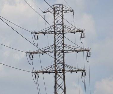 Horror w samorządach. Droższy prąd oznacza droższą kolej, szkoły i szpitale