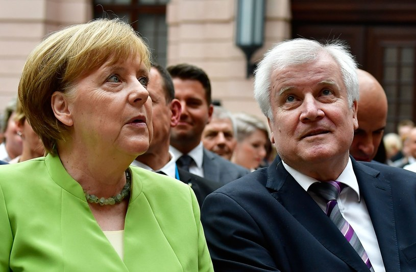 Horst Seehofer i Angela Merkel /TOBIAS SCHWARZ /East News