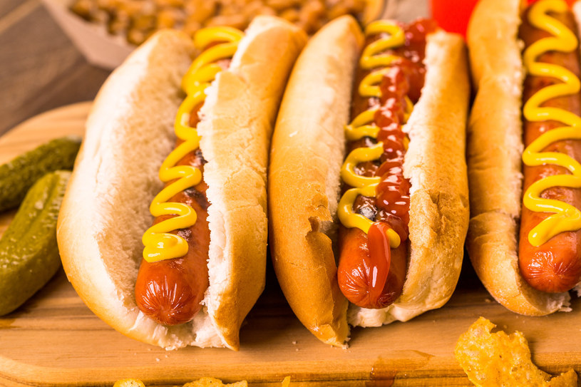 hot dog /© Photogenica