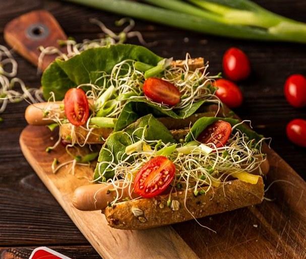Hot-dogi z kiełkami /materiały prasowe