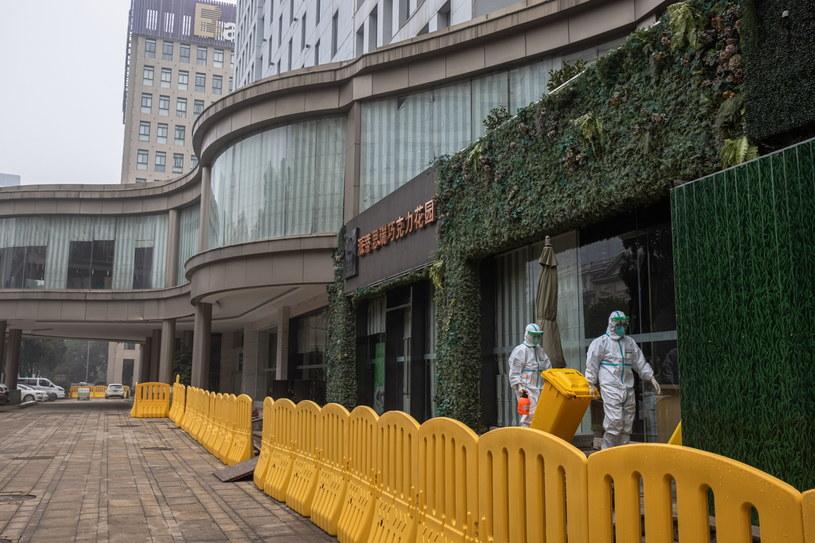 Hotel Jade Boutique w Wuhanie. To tutaj eksperci WHO odbywali kwarantannę /ROMAN PILIPEY /PAP/EPA