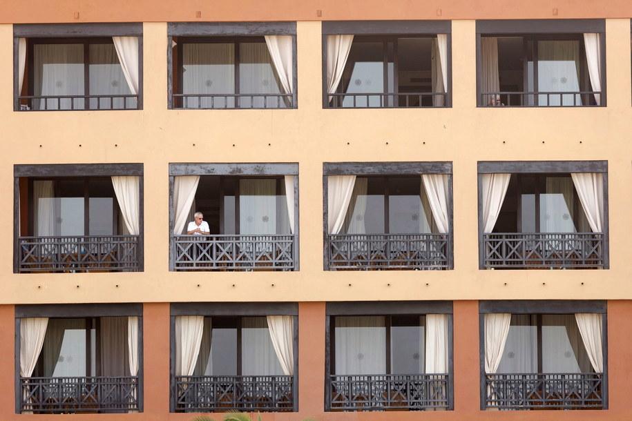 Hotel w Adeje na Teneryfie objęty kwarantanną /EFE/RamĂłn de la Rocha /PAP/EPA