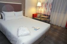 Hotele i restauracje wznowią działalność. Rząd wprowadza zmiany w obostrzeniach