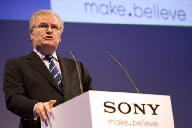 Howard Stringer, szef Sony - według niego atak na sieć PSN wzmocnił jego firmę /AFP