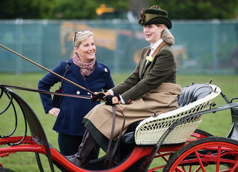 Hrabina Wessex i Lady Ludwika Windsor często uczestniczyły w zawodach i sprawiało im to wiele przyjemności /Getty Images