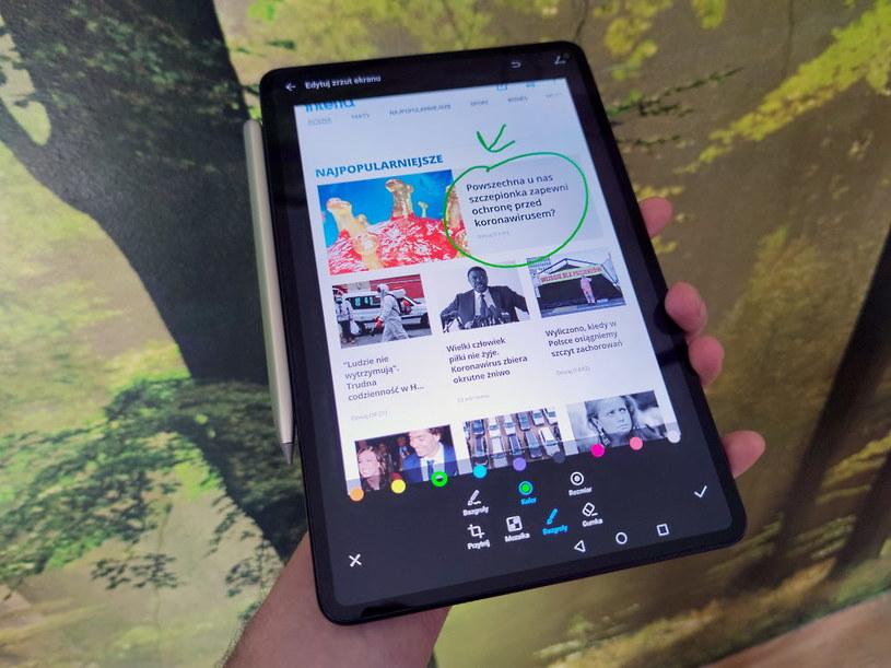 Huawei MatePad Pro - sposób na zaznaczenie tekstu przy pomocy rysika /INTERIA.PL