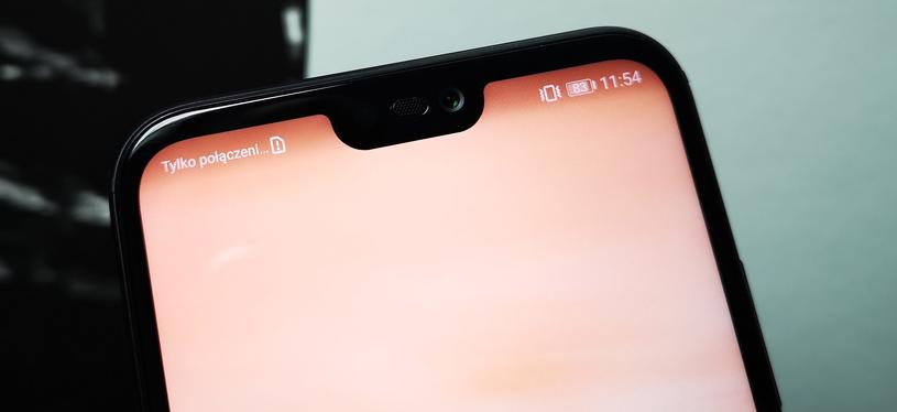 """Huawei P20 lite - wycięcie, czyli """"notch"""" /INTERIA.PL"""