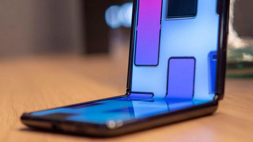 Huawei patentuje składany smartfon w stylu Galaxy Z Flip od Samsunga /Geekweek