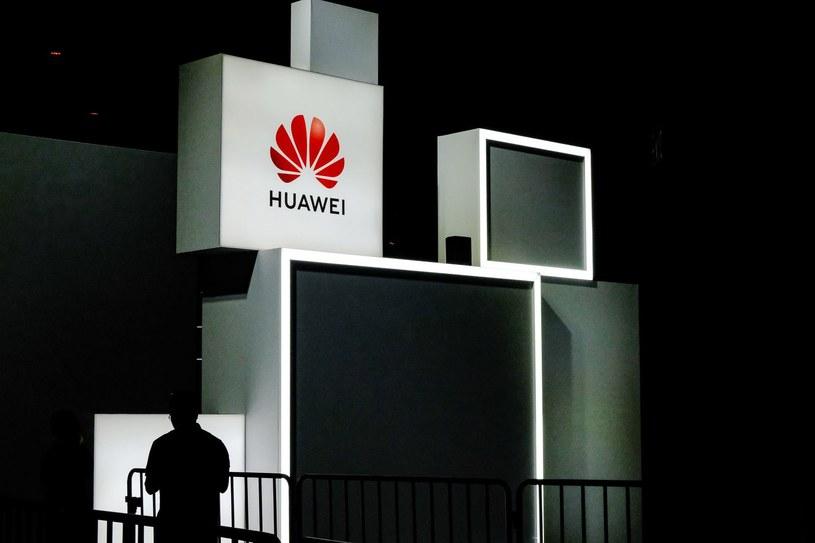 Huawei rozpoczął sprzedaż certyfikowanych smartfonów z drugiej ręki / STR   /AFP