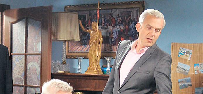 Hubert Urbański wcieli się w postać Damiana, biznesmena, który dla pieniędzy nie cofnie się przed niczym /Tele Tydzień