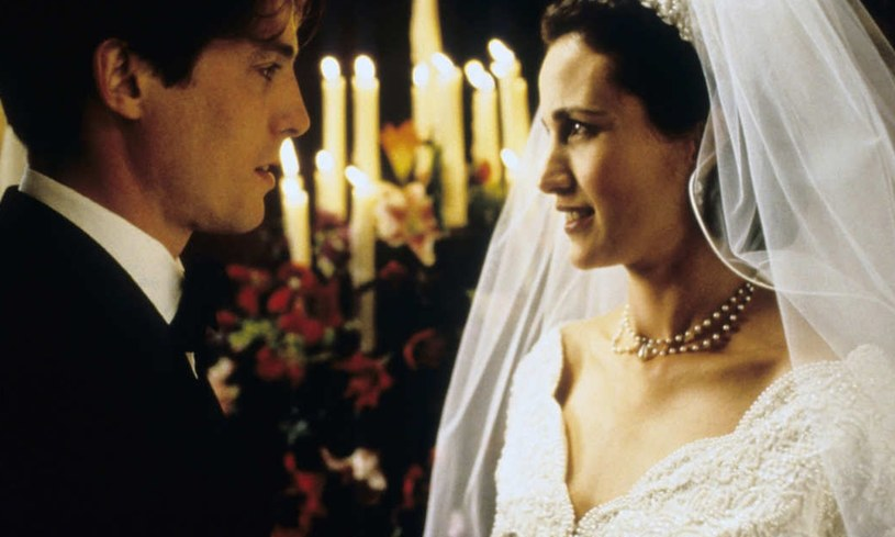 "Hugh Grant i Andie MacDowell w filmie ""Cztery wesela i pogrzeb"" /Wiese/face to face/FaceToFace/REPORTER /AKPA"