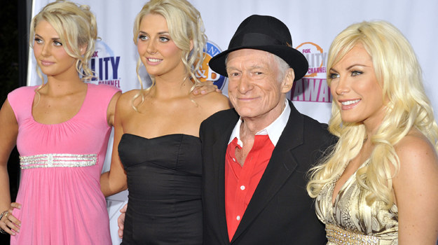 Hugh Hefnera zazwyczaj otaczają piękne kobiety / fot. Toby Canham /Getty Images/Flash Press Media