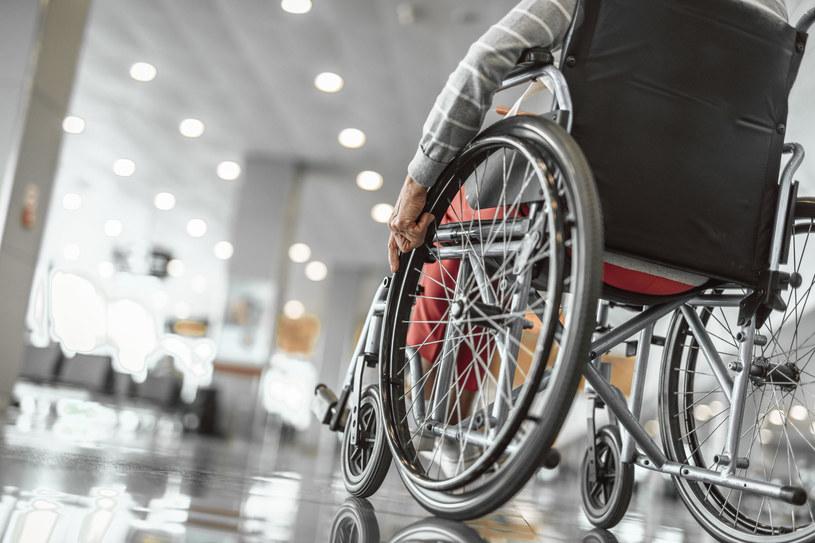 Hugh Herr bardzo pomaga niepełnosprawnym /123RF/PICSEL