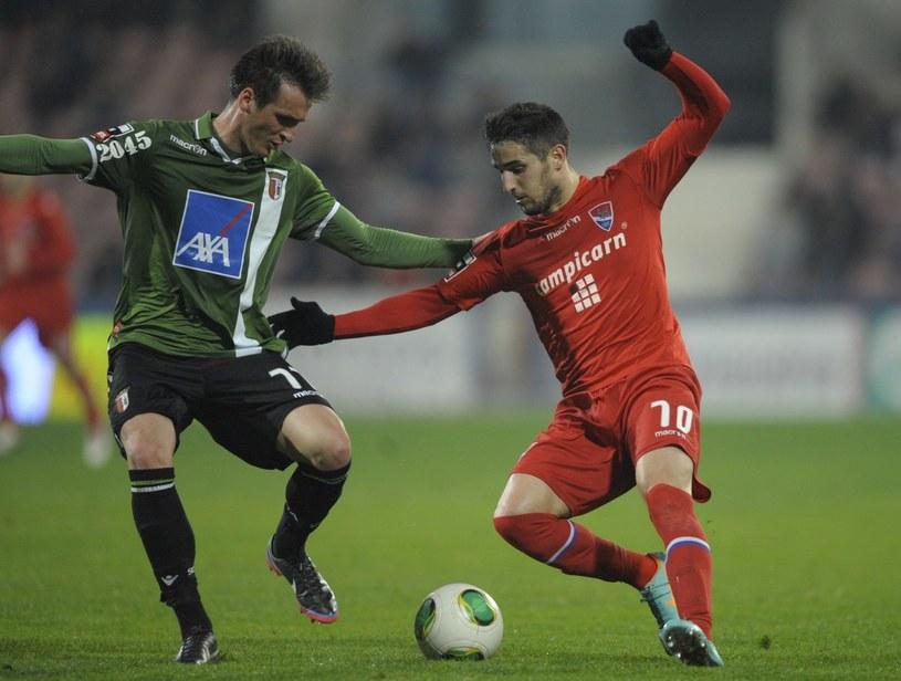 Hugo Vieira (z prawej) tu jeszcze w koszulce Gil Vicente /AFP