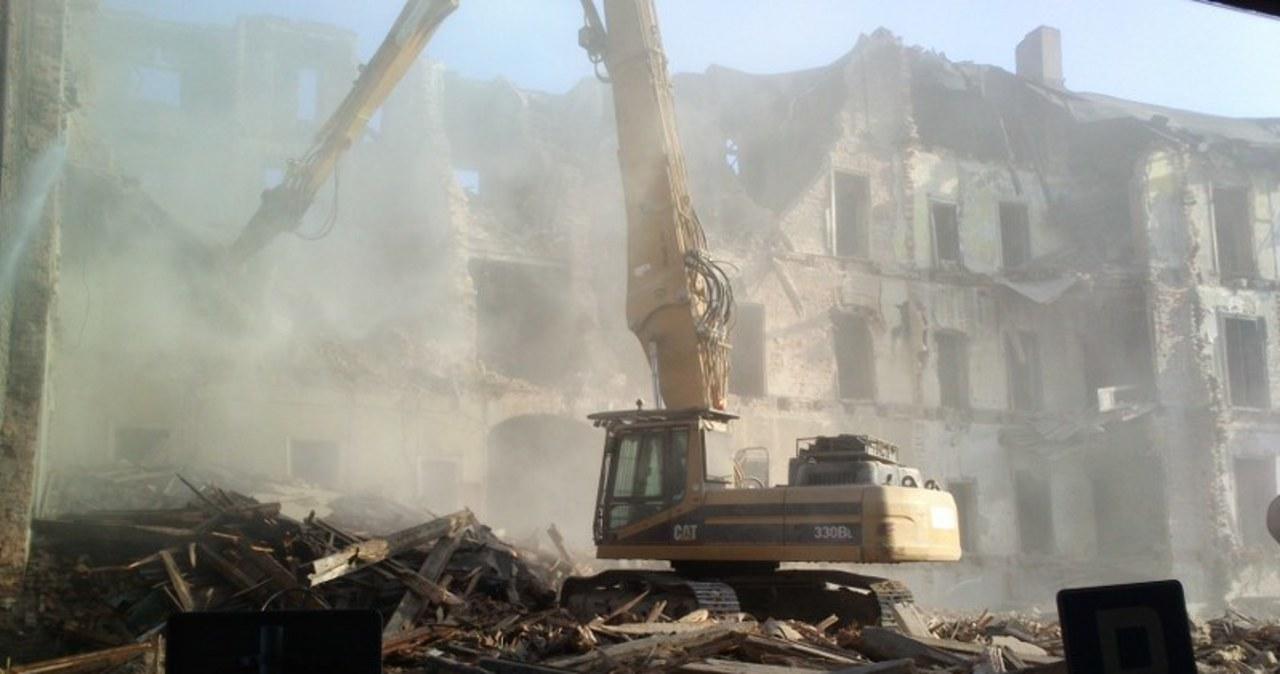 Huk, pył i gruz w ścisłym centrum Katowic