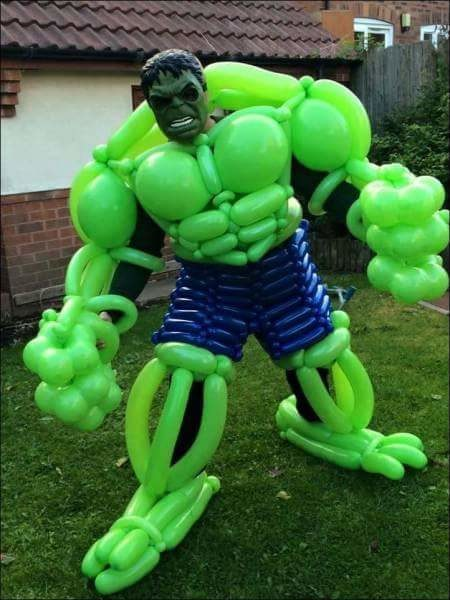 Hulk z balonów /MacMansen /imgur.com