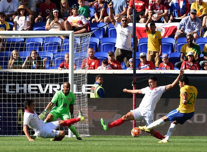 Hulk zdobywa bramkę dla Brazylii w meczu z Kostaryką /AFP
