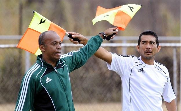 Humberto Clavijo (z prawej, obok jego rodak Abraham Gonzalez) skrzywdził Meksykanów. /AFP