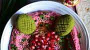 Hummus z ćwikłą i zielone kotleciki z jarmużu