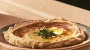 Hummus z oliwą z oliwek i papryką