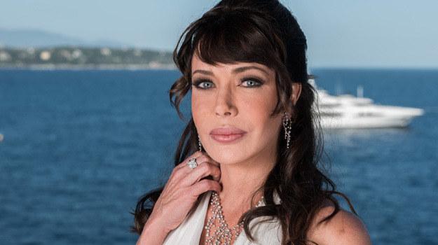 Hunter (właściwie Deborah Jo Hunter) urodziła się 3 lipca 1962 r. Wychowała się w Teksasie. W młodości brała udział w konkursach piękności. Wystąpiła w ponad 500 reklamach. /Francois Durand /Getty Images