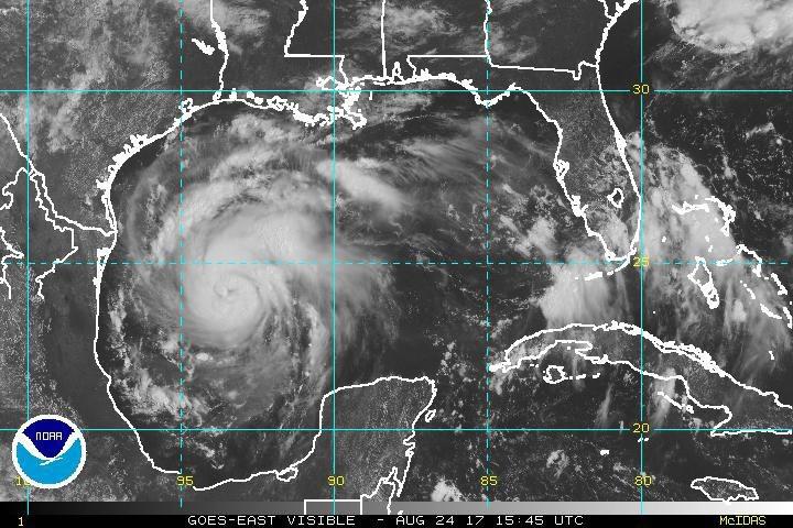 Huragan Harvey zbliża się do wybrzeży Teksasu /EPA/NOAA  /PAP/EPA