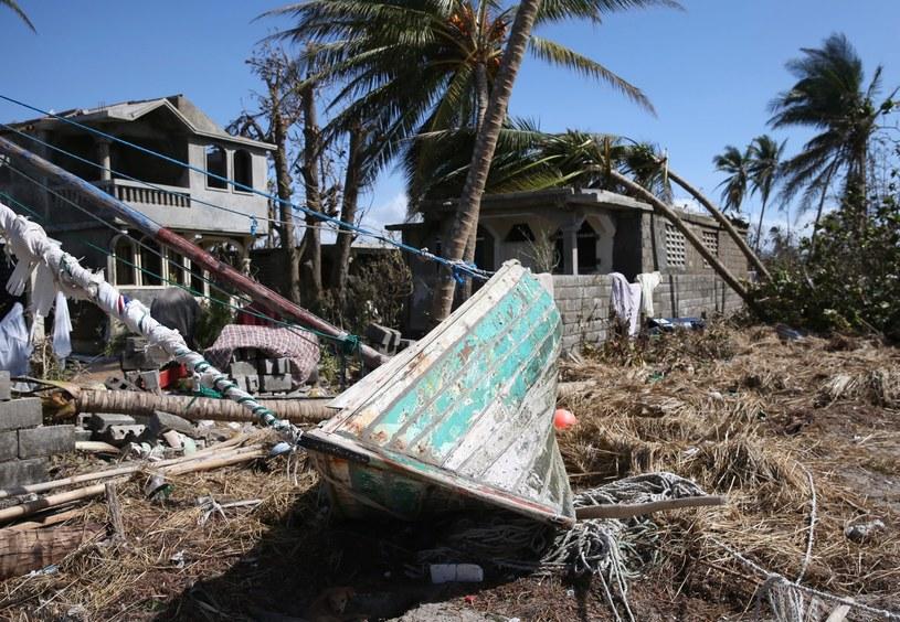 Huragan Matthew dotarł na Florydę. Ogłoszono stan wyjątkowy /PAP/EPA